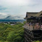 日本旅行をする外国人旅行者向けに旅行保険を販売